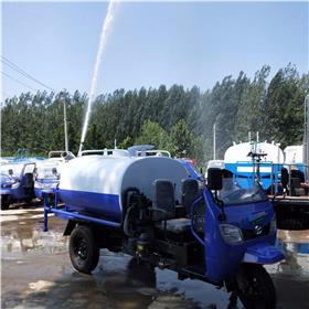 贵州工地洒水车报价 顺通环卫设备直销 路面喷洒车改装厂家 厂区降尘绿化洒水车