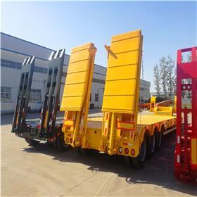 厂家直销超低挖掘机运输半挂车 拉钩机的爬梯拖车盘子 大型设备运输板车