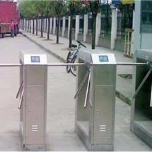 益陽不銹鋼橋式擺閘人行通道閘智能通道閘門禁考勤系統人臉識別安檢門