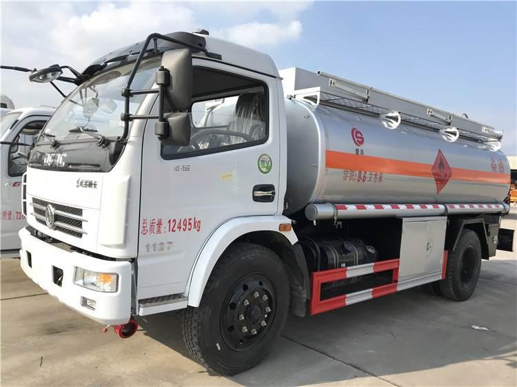 东风多利卡8吨油罐车厂家直销,包上户